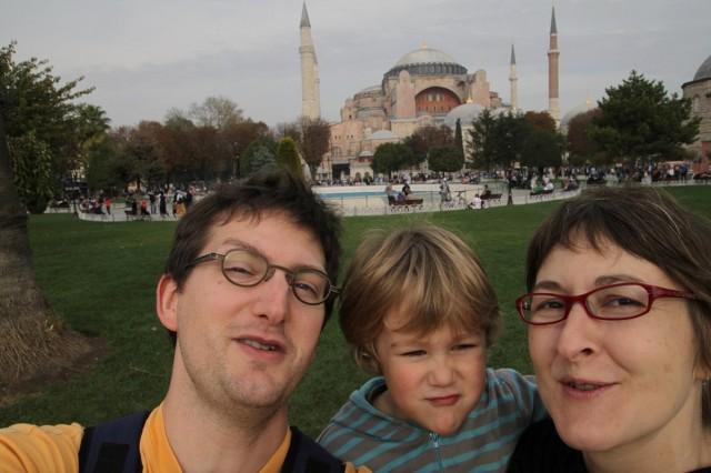 Nous trois devant Sainte-Sophie